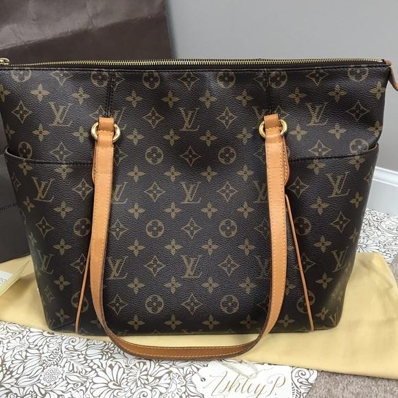 1f9eea89eb48 Louis Vuitton Handbags - Authentic Louis Vuitton Totally MM Monogram